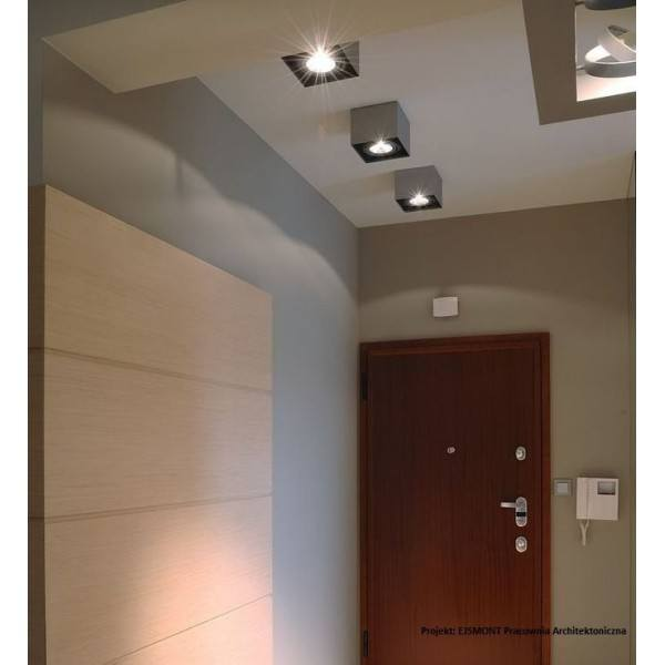 lampy sufitowe natynkowe w pokoju