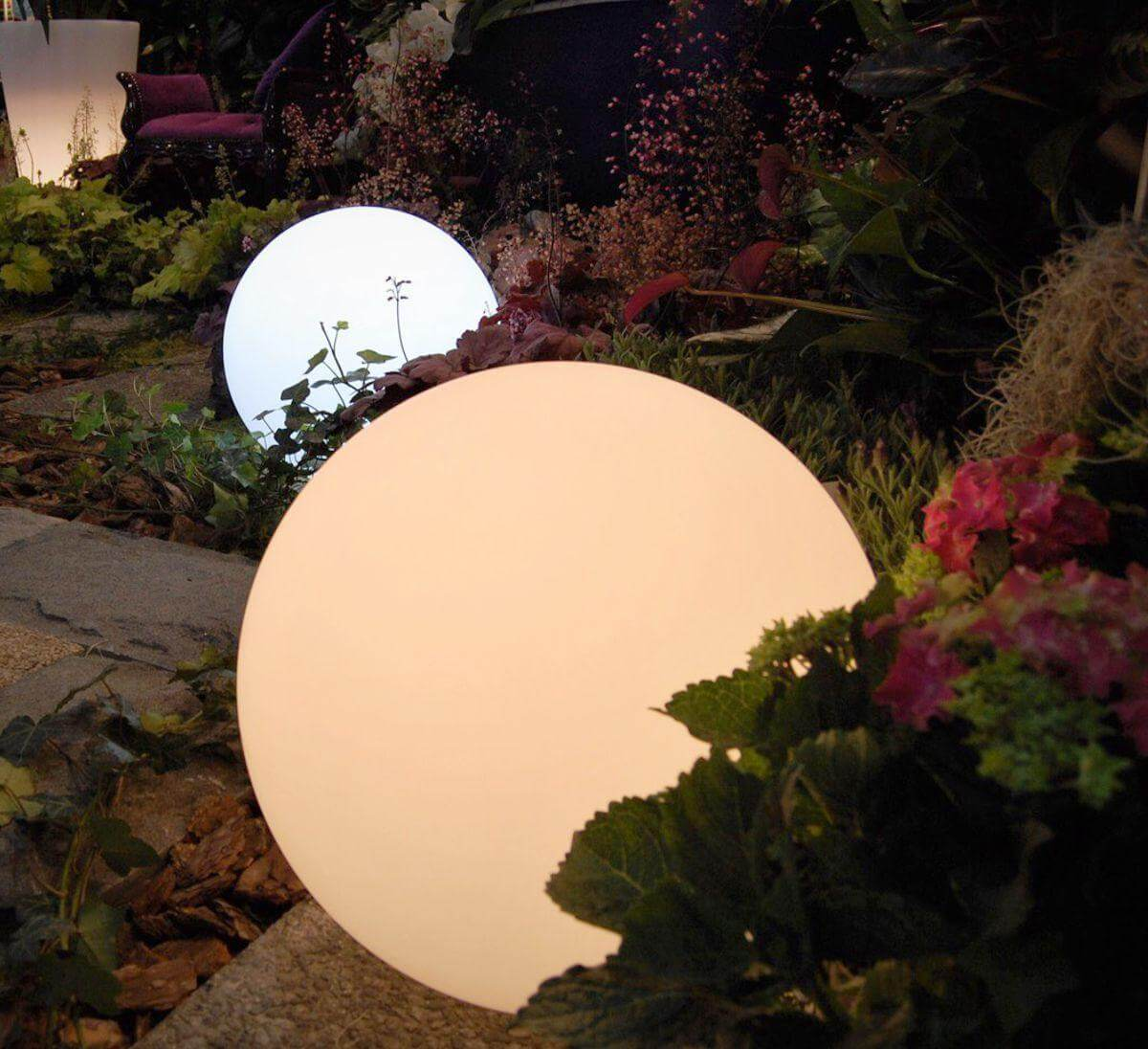 Lampa podświetlana kula