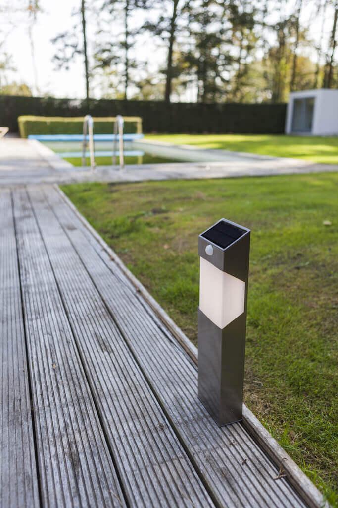 Słupek ogrodowy solarny LED