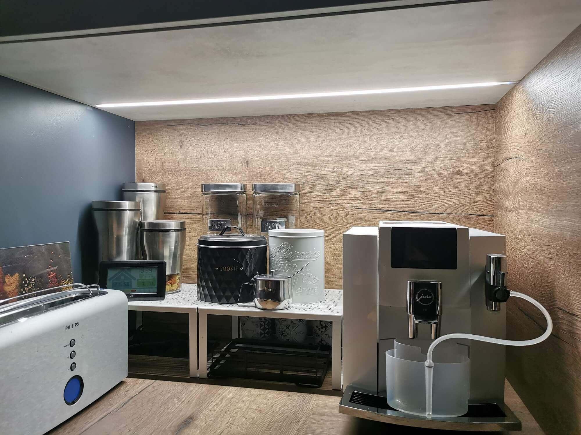 Modern lighting in the kitchen